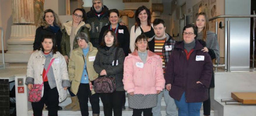 Στο αρχαιολογικό μουσείο μαζί με άτομα με σύνδρομο Down